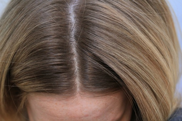 Tips for highlighting your hair at home missy sue tip 1 before highlighting your hair make sure youve given yourself adequate root growth to work with highlightingbleaching your hair is very damaging solutioingenieria