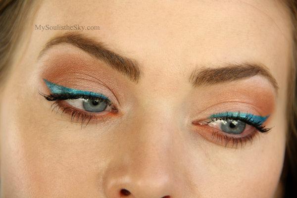 Blue Eyeliner Tutorial | MissySue.com