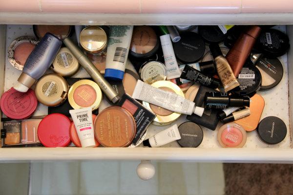 Organizing Makeup Drawers ...