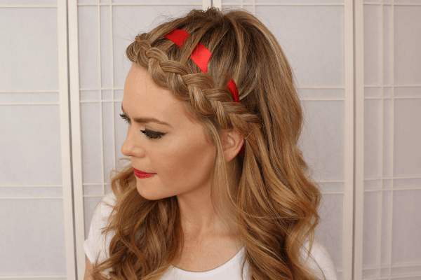 The headband braid can keep pesky strands from messing with our fresh-face flow, especially now that high summer's around the corner. Read on for a quick and easy tutorial on how to create a plait around head.