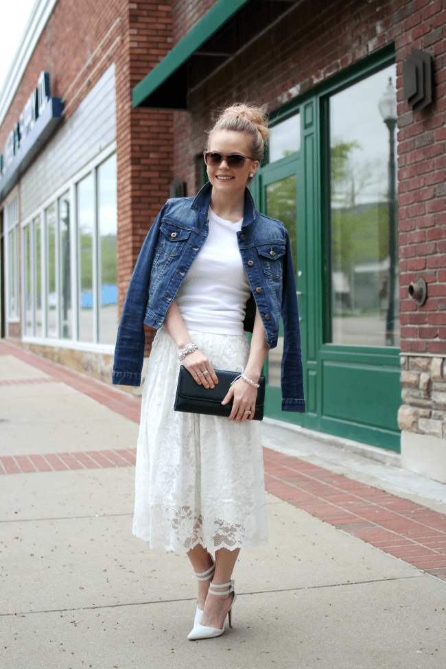 white-lace-skirt-and-heels