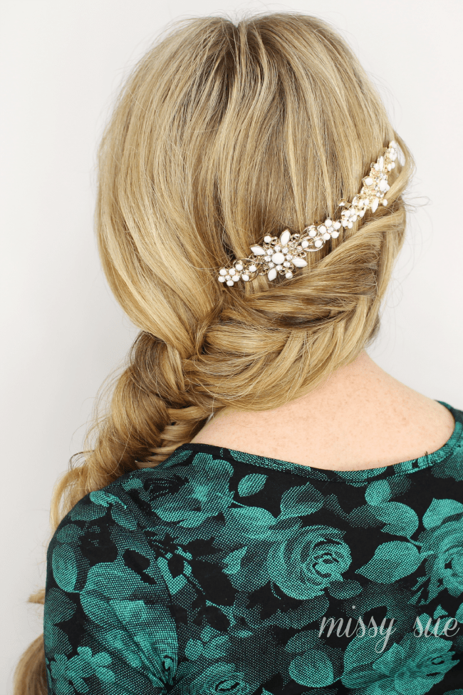 Inverted Fishtail Side Braid