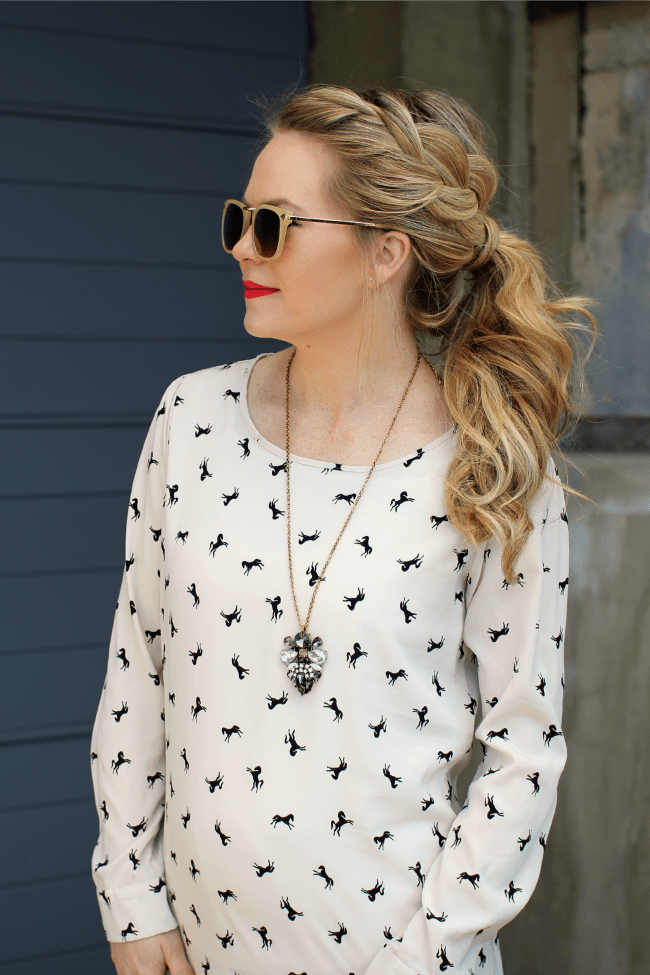 Pattern Top with Long Necklace