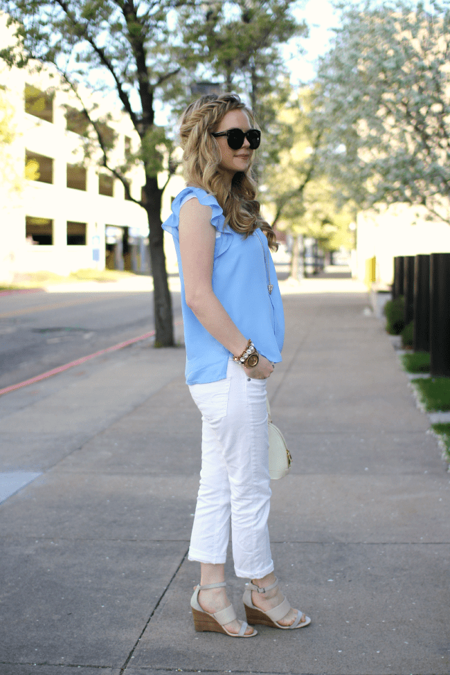 blue-top-white-jeans