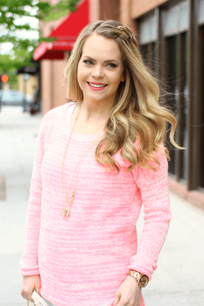 pink-sweater-baublebar-necklace