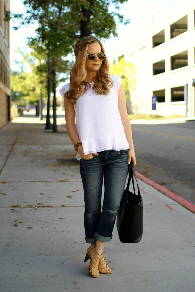 white-top-boyfriend-jeans