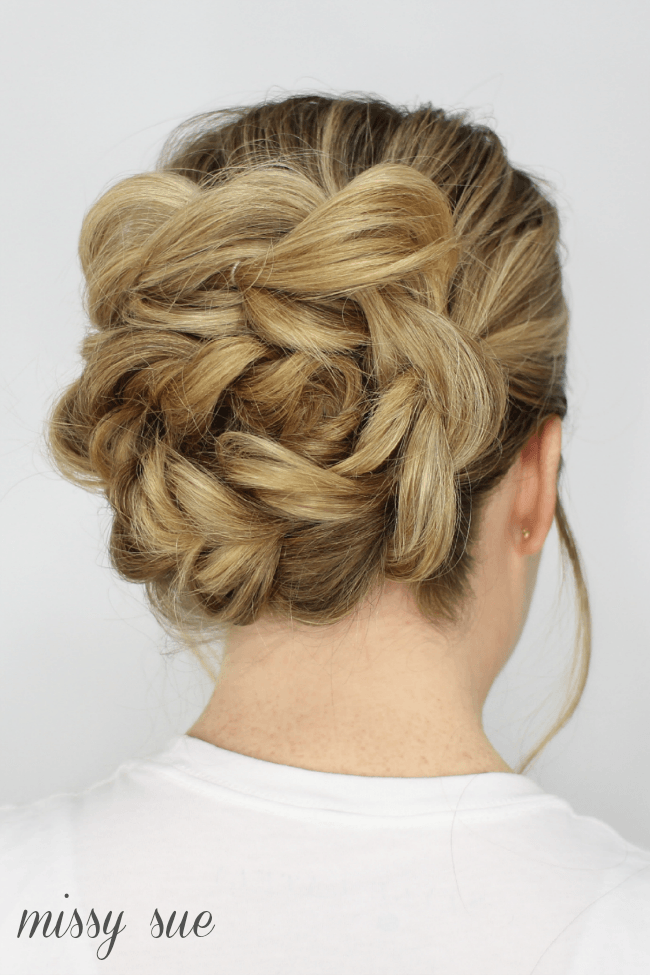 wrapped-pull-thru-bun-tutorial