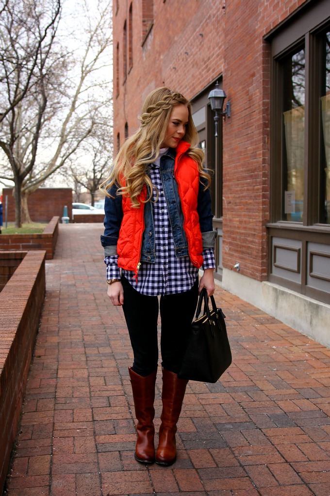 fall-style-vest-riding-boots