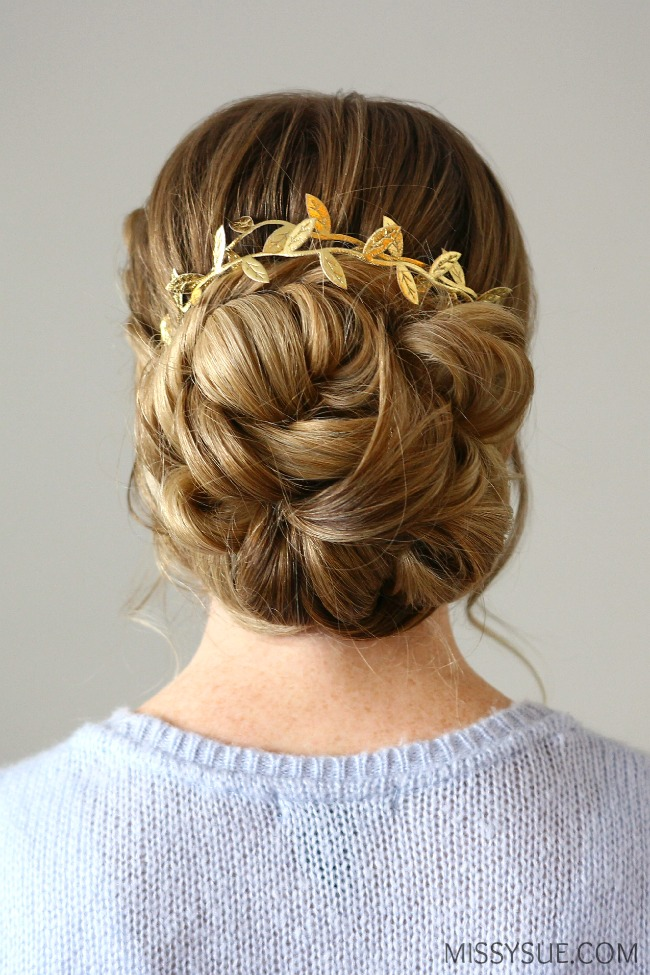looped-low-bun-tutorial