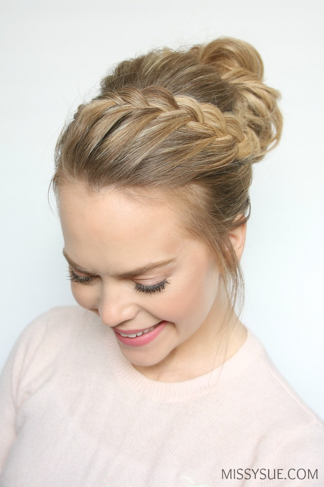 lace-braids-top-knot-tutorial