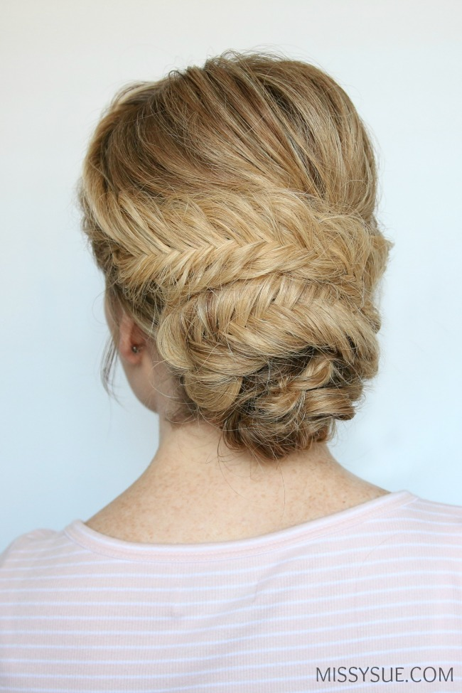 prom-hairstyles-low-bun