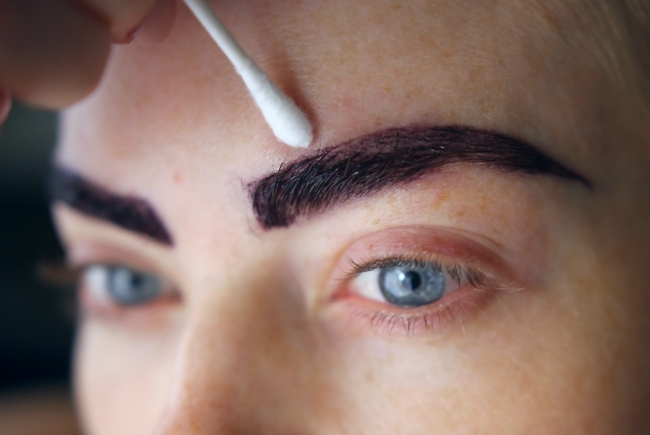how-to-dye-your-eyebrows-at-home-3