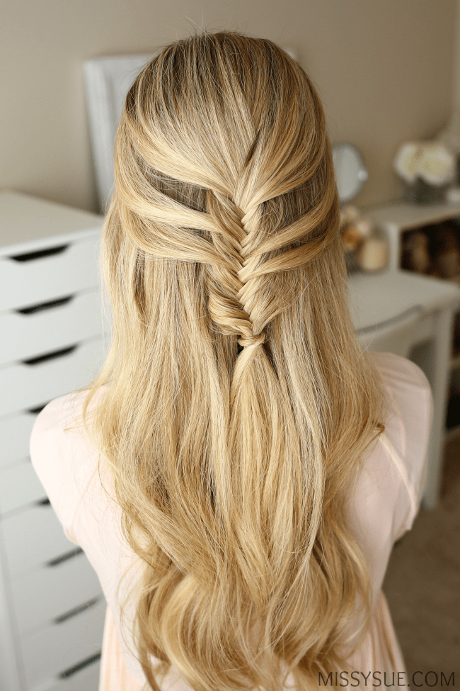 mermaid-fishtail-braid-hairstyle